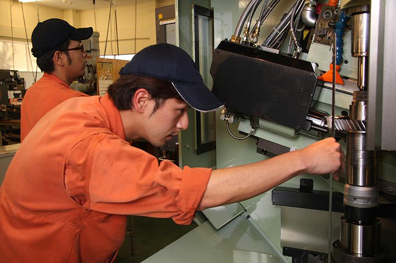 九州精密工業株式会社